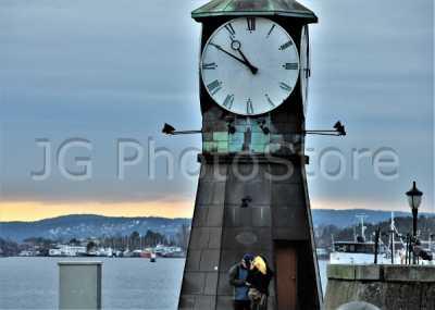 Reloj del puerto de Oslo